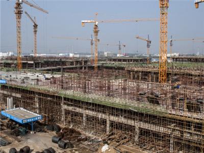 承建中建一局华南城工程施工现场.png